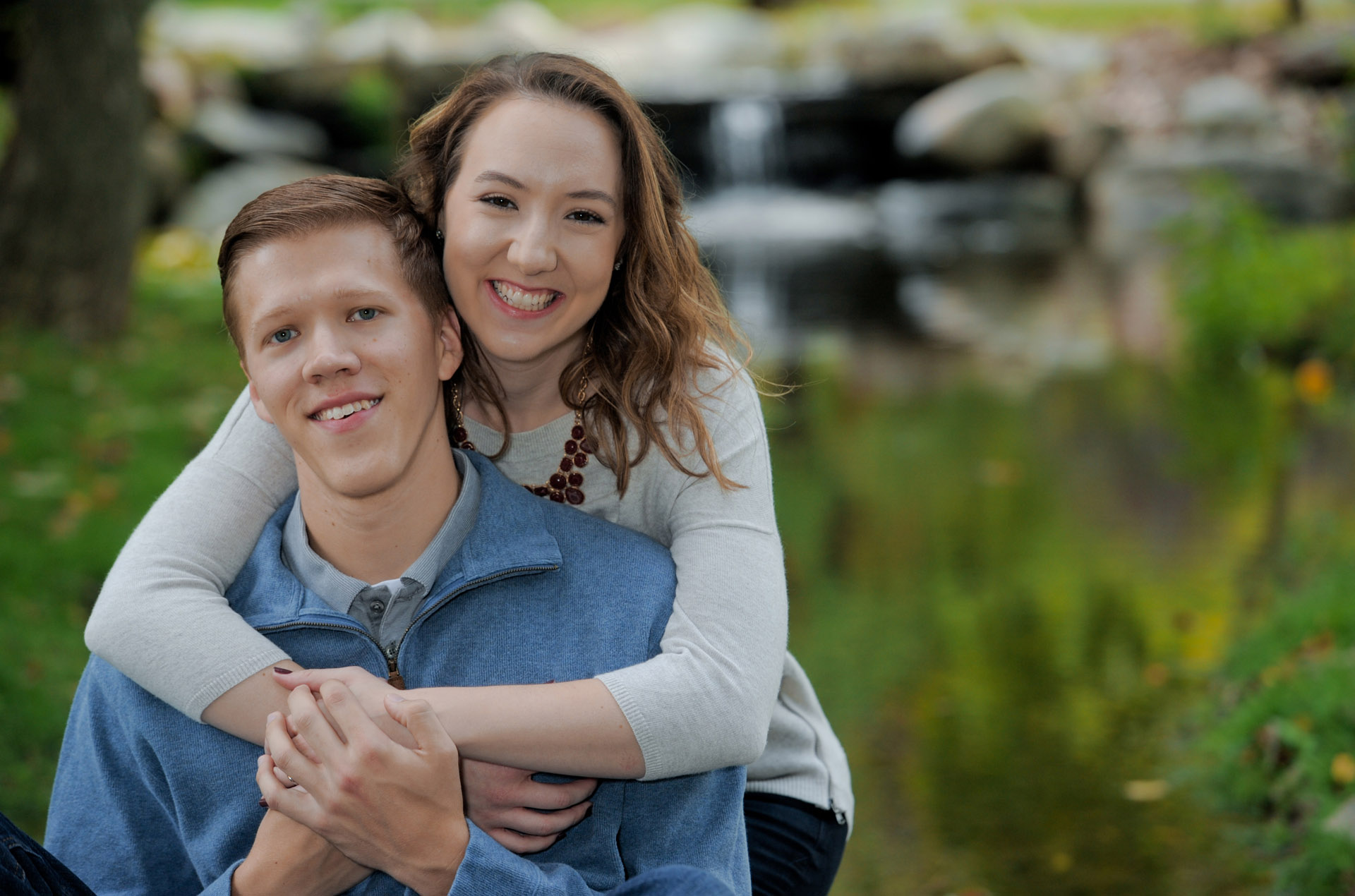 Best Oakland County Michigan lifestyles photographer is happy to photograph couples and singles in a nice, informal setting, like this Classic Park in Metro Detroit and Auburn Hills, Michigan.