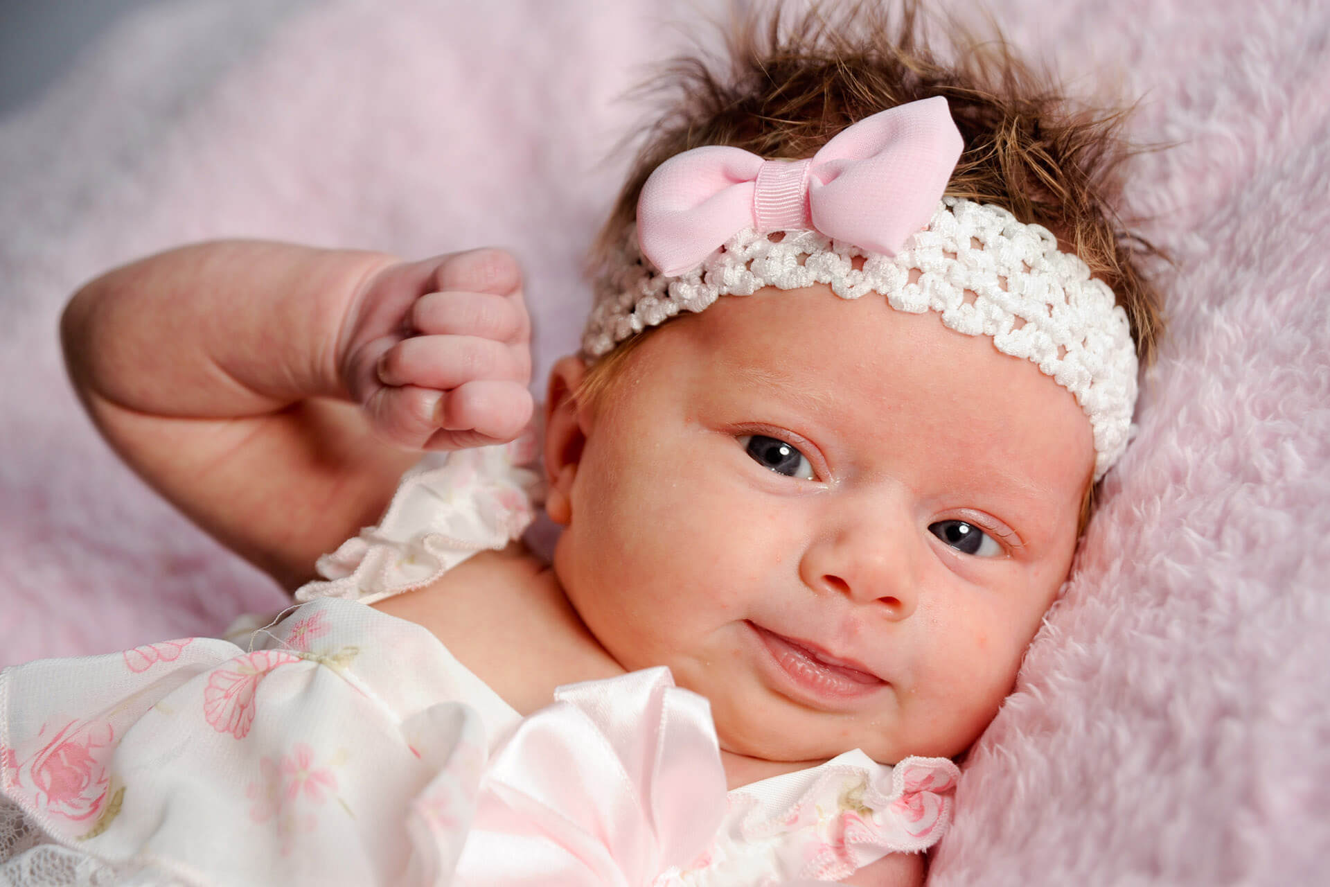 Best Detroit infant photographer takes personality filled newborn lifestyle photos in metro Detroit, Michigan.