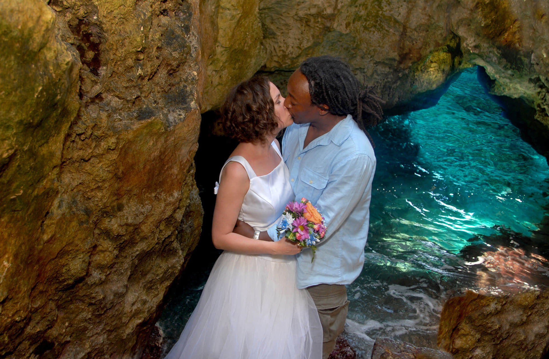 Destination wedding photographer based in Troy, Michigan takes photos all over the world. This one is a Michigan couple who were married in Jamaica.