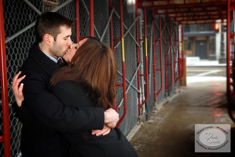 Construction site kiss
