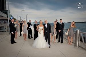 Using off camera flash to improve wedding photography!