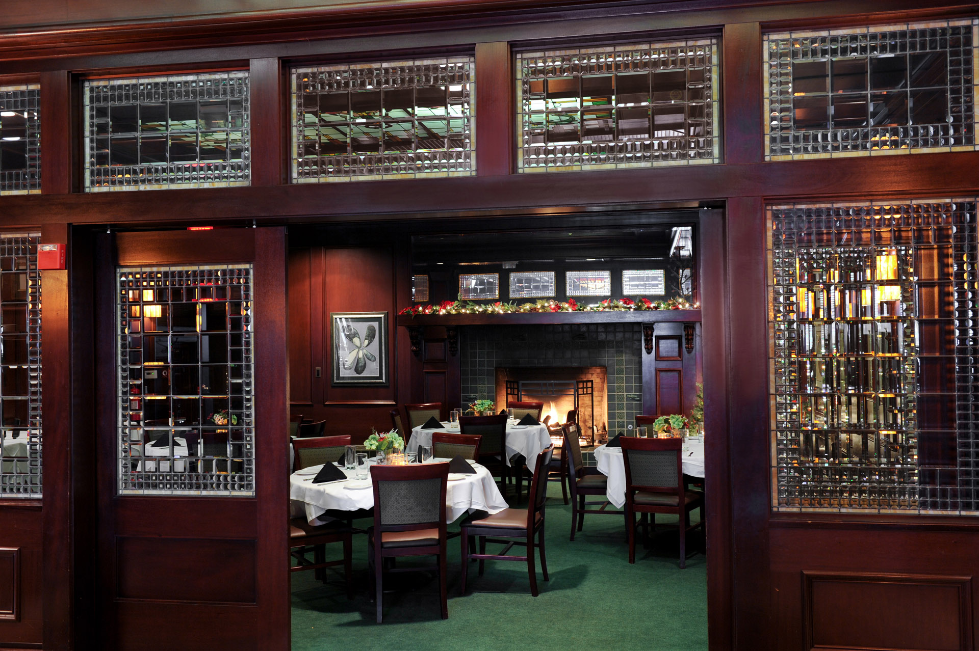 Best Detroit business photographer's website photography to showcase the intimacy of the restaurant McCormick and Schmick's various spaces within their restaurant location in Troy, Michigan.