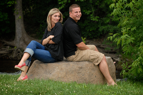 MI wedding photographer takes engagement portraits on location