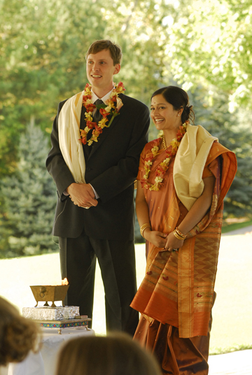Michigan photojournalist takes candid wedding photos during the Hindu wedding ceremony in Freeland Michigan
