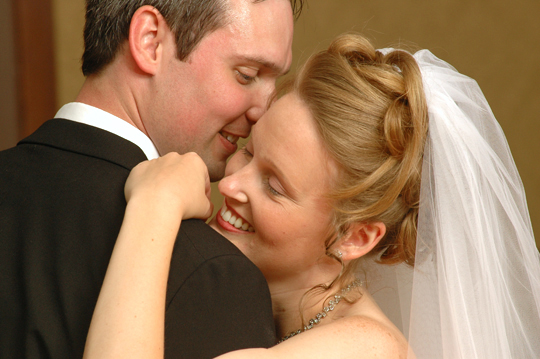 wedding photo gallery and photo albums shot by an Oakland County wedding photojournalist