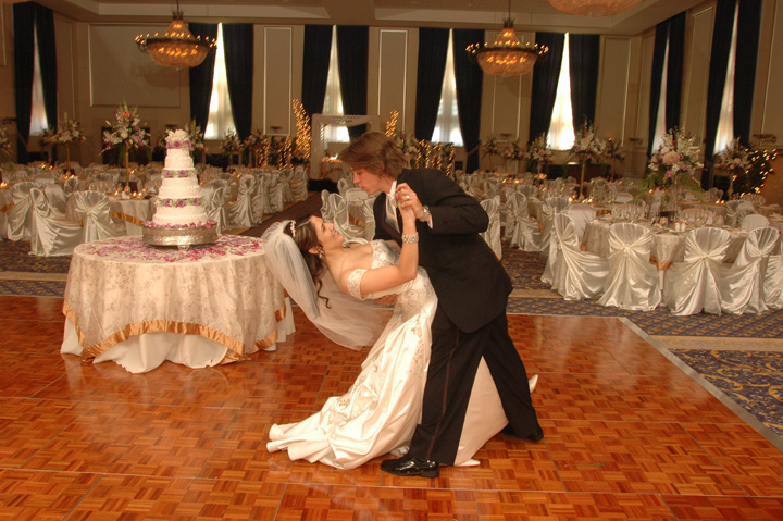 Michigan wedding photojournalist has many portfolios and photo albums to preview