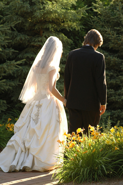 Michigan wedding photojournalism captures candid wedding moments