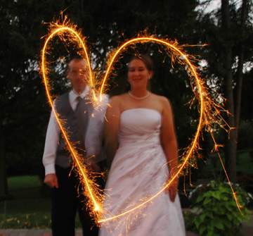 Michigan wedding photographer who gets rave reviews from Michigan brides