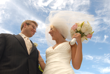 Michigan couple in Saginaw write a rave reviews about this michigan wedding photojournalist