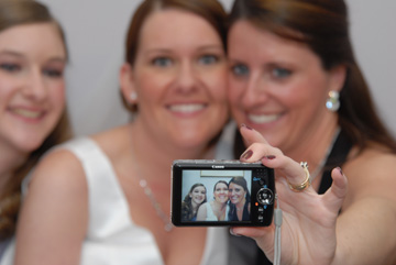 Michigan wedding photojournalist gets rave reviews from Michigan brides