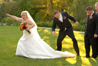 Michigan wedding photographer provides lots of wedding tips