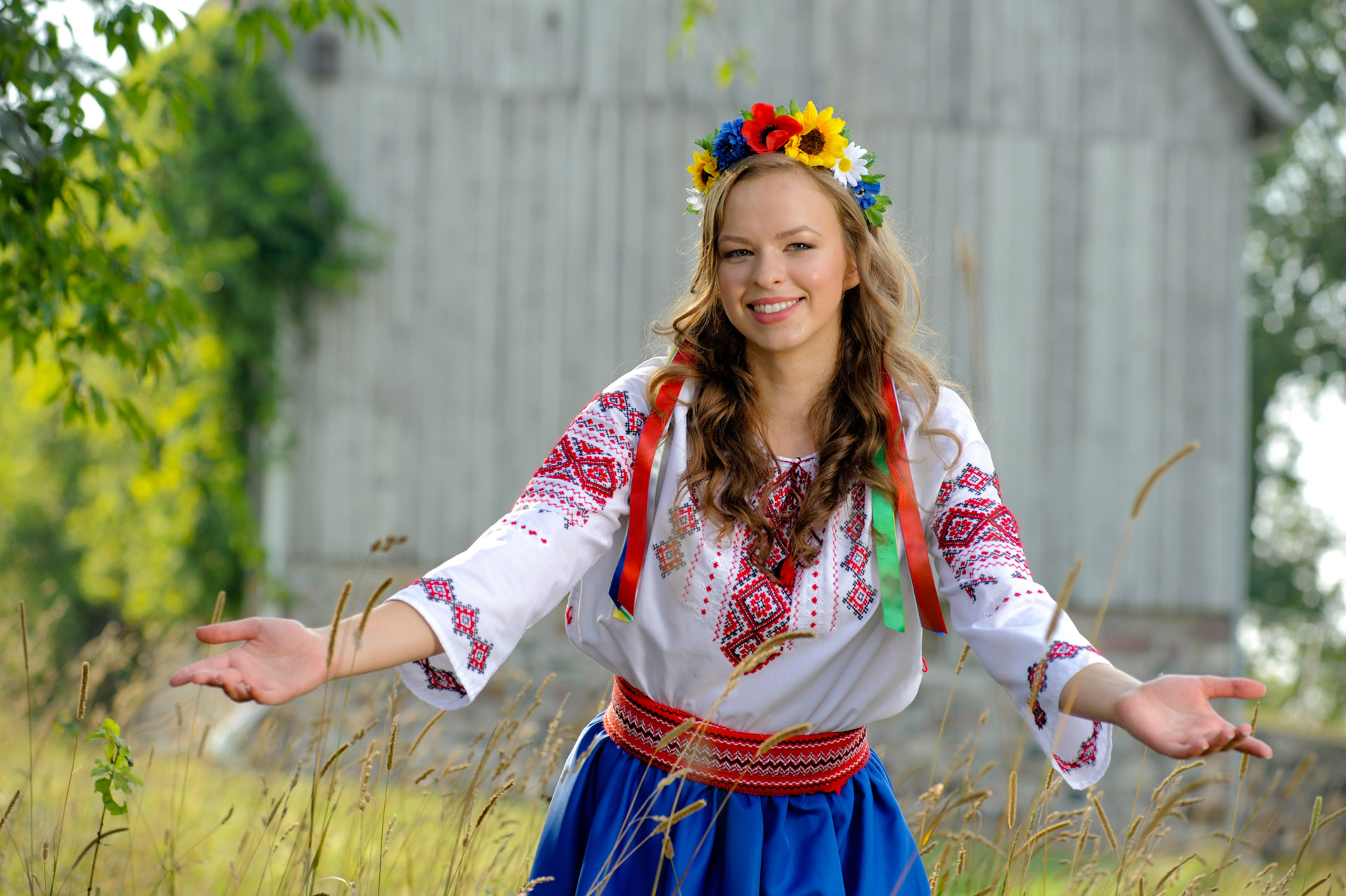 Troy , Michigan senior pictures photo taken of the high school senior doing a traditional Russian dance for her senior pictures in Troy, Michigan.
